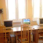 Sala komputerowa z dostępem do internetu